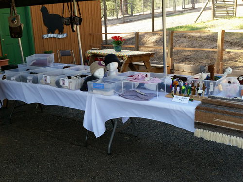 Alpaca Products Tables