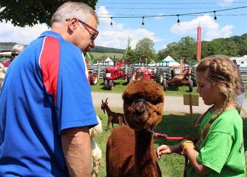 Legislators' County Fair tour focused on 4-H program