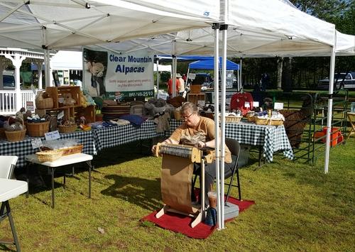 Ellington Ct Middle School Craft Fair