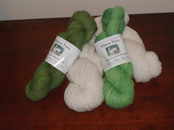 Photo of 4 oz. Skein, Alpaca/Merino White & Green