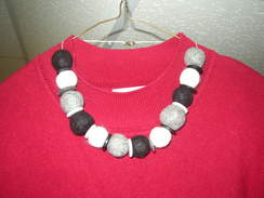 Photo of Necklace - black/gray