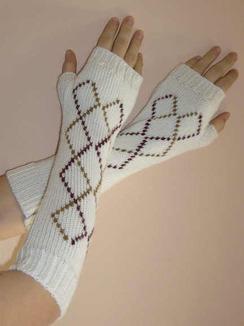 Photo of 100% Alpaca Diamond Wrist Warmers