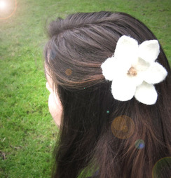 Photo of Magnolia Flower (Hair Pin) Felted Kit