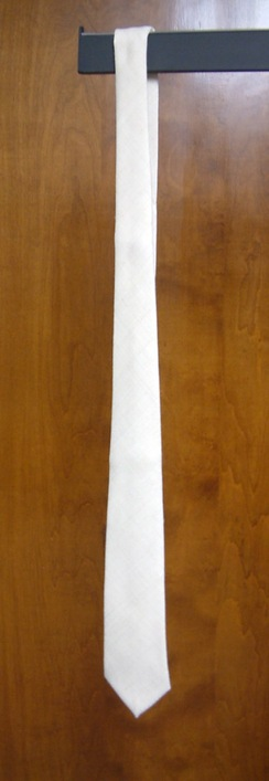 Photo of Men's 100% Suri Tie in Natural White
