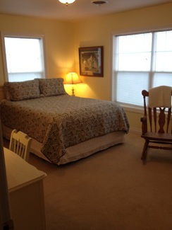 Photo of The Yellow Room (Queen bed)