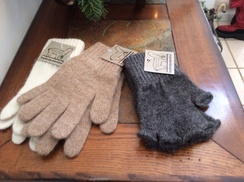 Photo of Fingerless alpaca gloves