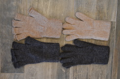Photo of Alpaca Gloves - New England Pool