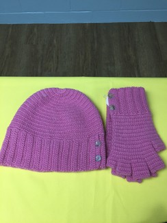 Photo of SET-SOPHIA BUTTON HAT & FINGERLESS GLOVE