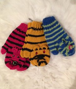 Photo of 100% Alpaca Youth Tiger-Cat Mittens