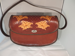 Photo of P05 - Purse - Flowers & Crosshatch Motif