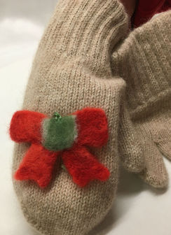 Photo of Register: Embellish  Mittens