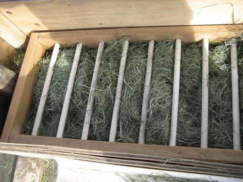 Removeable feeder racks