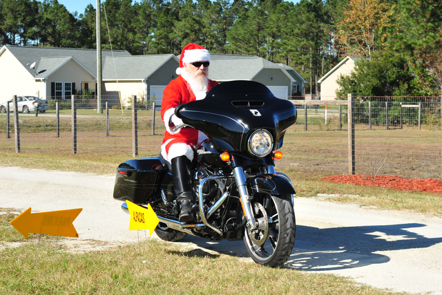 Who needs a sleigh when you have a Harley!