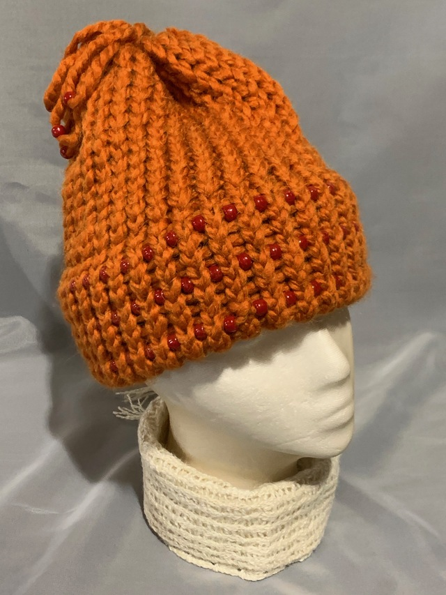 Knitted alpaca hat w/beads