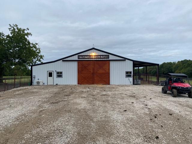 new livestock barn 72 x 60