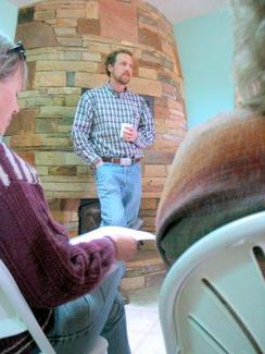 One of our New Mexico Vets addresses a meeting in Santa Fe...