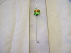 Beaded Orifice Hook