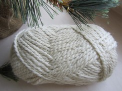 Photo of Winter White Bulky Alpaca Yarn Very Nice