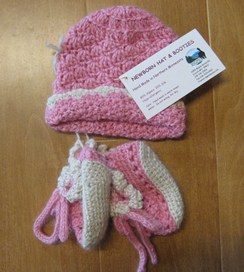 Photo of Newborn Baby Hat & Booties
