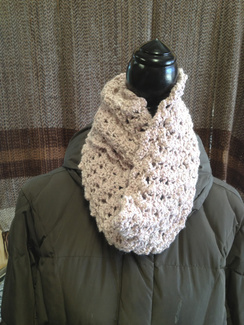 Photo of Linda's Workshop: Lace Knit Cowl
