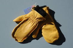 Photo of Alpaca mitten liners with deerskin outer