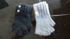 Photo of Button Alpaca Half Finger Gloves