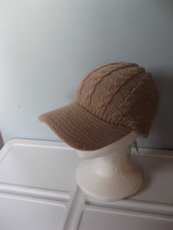 Knit 100% alpaca hat with brim