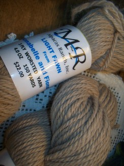 Alpaca Yarn Light Fawn Annabelle n Fiona