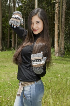 Photo of Peruvian Alpaca Half Finger Gloves