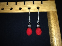 Hanging oval earrings