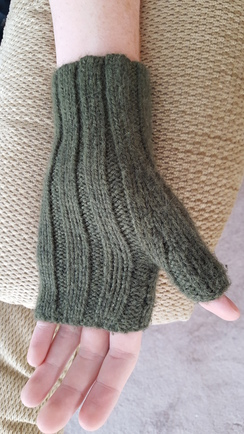 Ribbed Alpaca Wrist Warmers