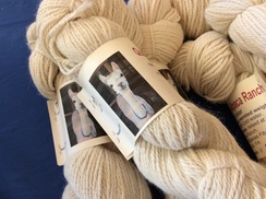 Yarn: Worsted Alpaca White, Isabella