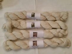 Photo of 2 ply fingerling natual white suri yarn