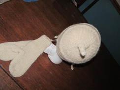 Hat & Mittens White Alpaca