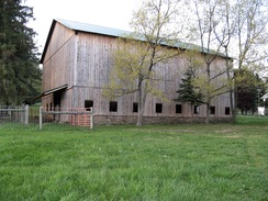 LaCroix Alpacas farm: 1870 bank barn.