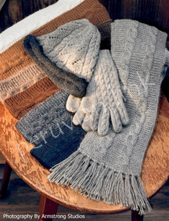 Photo of Trenza Cable Alpaca Gloves