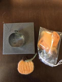 Photo of Kit: Make an alpaca fiber Pumpkin