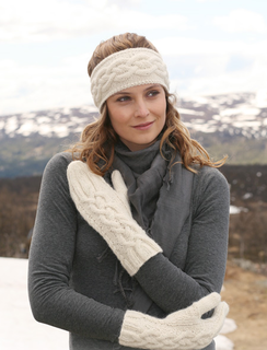Women's Cable Knit Mittens