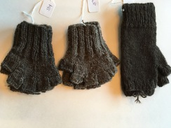 Photo of 1/2 finger yak mitt