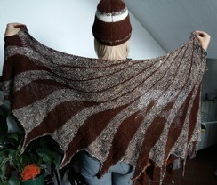 Photo of 100% alpaca suri shawl