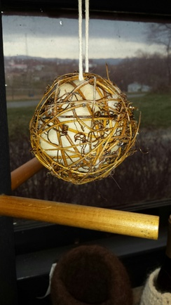Fiber Filled Grapevine Ball