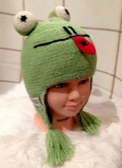 100% Alpaca Frog Hat