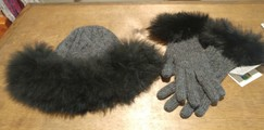 Photo of Diamond Cable Alpaca Hat & Gloves