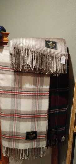 Photo of 100% Baby Alpaca Plaid Throw