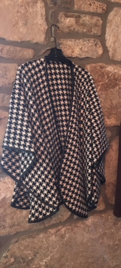 Alpaca/Wool Houndstooth Cape