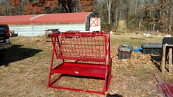 Hay feeder with tray