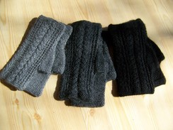 Photo of Cable knit fingerless gloves