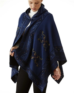 Reversible hoofed Cape