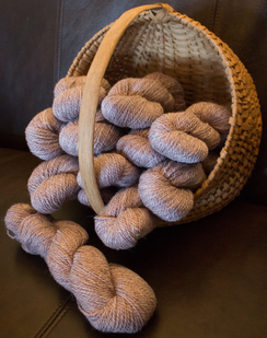 Alpaca Blend Worsted Yarn: Touch of Wine