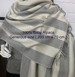 Photo of Baby alpaca stole
